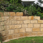 Sandsteinmauer in Frankfurt Gartenmauer aus Sandstein